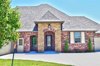 Oklahoma County Single Family Home For Sale: 2116 Pembroke Lane