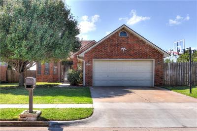 Moore Single Family Home For Sale: 9205 Buttonwood Avenue