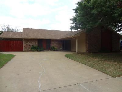 Norman Single Family Home For Sale: 1019 Thistlewood