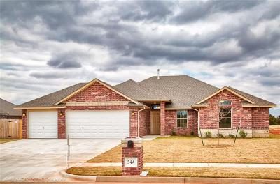 Mustang Single Family Home For Sale: 544 N Bighorn Way
