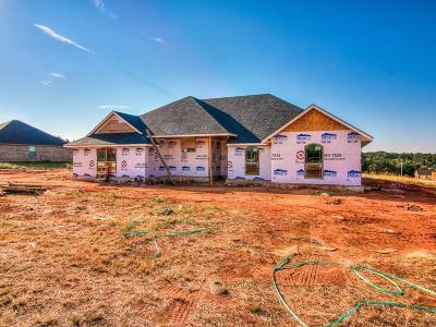 Guthrie Single Family Home For Sale: 5815 Scarlet Oak Road