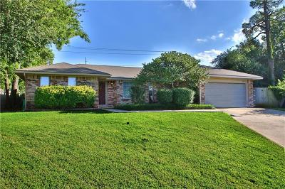 Norman Single Family Home For Sale: 2310 Ashwood Lane