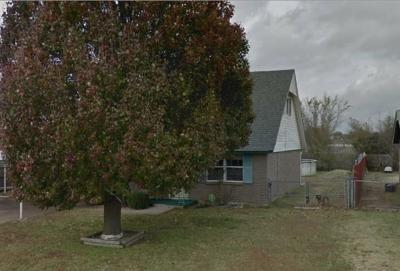 Moore Single Family Home For Sale: 1017 NW 19th Street