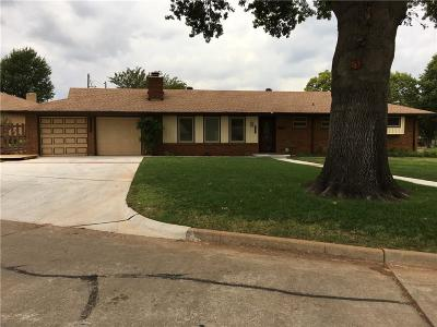 Midwest City Single Family Home For Sale: 1101 Live Oak Drive