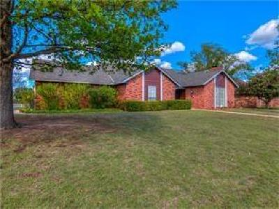 Oklahoma City OK Single Family Home For Sale: $148,000