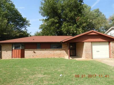 Midwest City Single Family Home For Sale: 2105 Sandra Drive