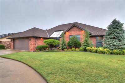 Moore Single Family Home For Sale: 400 S Ramblin Oaks Drive