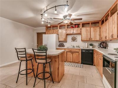 Tuttle Single Family Home For Sale: 6 6th Street