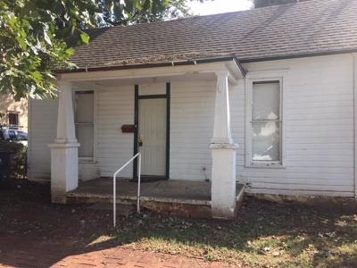 Rental For Rent: 605 E Harrison Avenue