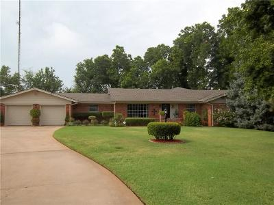 Chickasha Single Family Home For Sale: 12 Cherry Drive