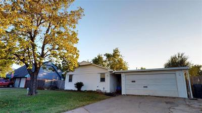 Oklahoma City Single Family Home For Sale: 7617 S Embassy