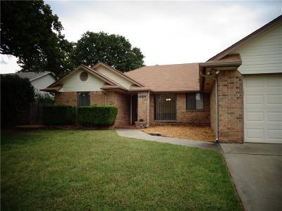 Midwest City Single Family Home For Sale: 10608 Songbird