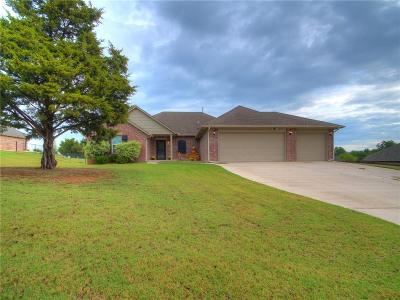 Guthrie Single Family Home For Sale: 921 Crooked Oak Circle