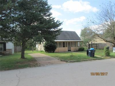 Purcell Single Family Home For Sale: 716 W Brule