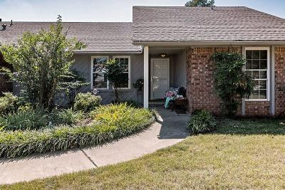 Edmond Single Family Home For Sale: 2812 Allens Trail
