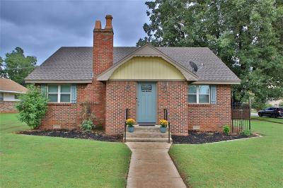 Blanchard Single Family Home For Sale: 404 N Main Street