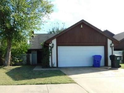 Norman Single Family Home For Sale: 3812 Ives Way