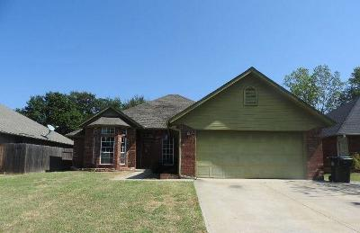 Midwest City OK Single Family Home For Sale: $147,900