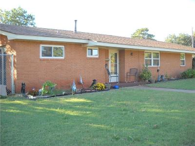 Sayre Single Family Home For Sale: 113 Sides