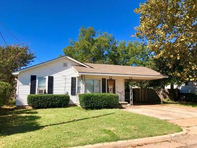 Oklahoma City Single Family Home For Sale: 2405 N Moulton Drive