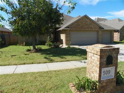 Moore Single Family Home For Sale: 509 Kelsi Drive
