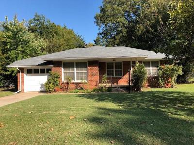 Norman Single Family Home For Sale: 1211 W Brooks