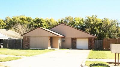 Moore Rental For Rent: 1420 Autumn Drive