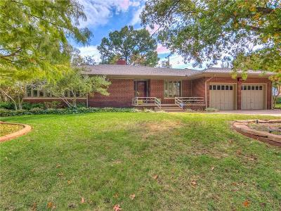 Oklahoma City Single Family Home For Sale: 2804 NW 33rd