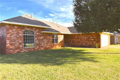 Elk City Single Family Home For Sale: 108 Timberridge
