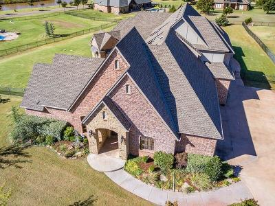 Edmond Single Family Home For Sale: 21975 White Pine Circle