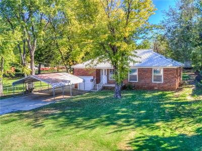 Del City Single Family Home For Sale: 704 Howard Drive