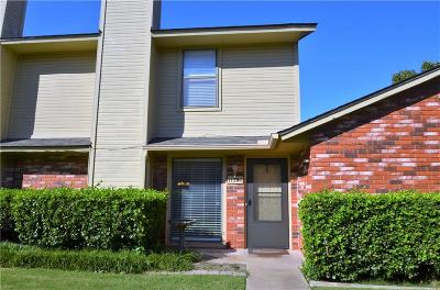 Edmond Condo/Townhouse For Sale: 1120 Sequoyah Street #C