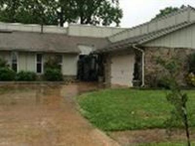 Moore Single Family Home For Sale: 209 Wellington Lane