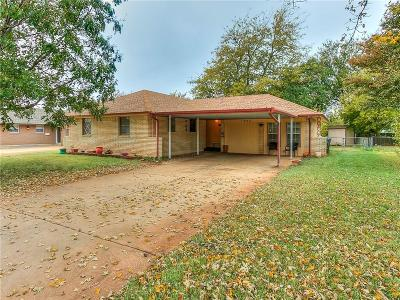 Moore Single Family Home For Sale: 1803 N Nail Parkway