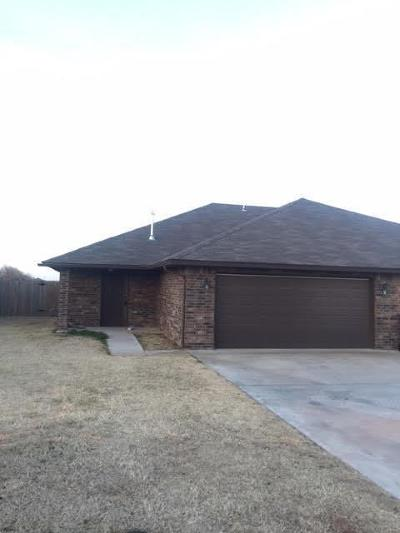 McClain County Rental For Rent: 708 21st Street