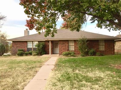 Edmond Single Family Home For Sale: 833 NW 141st Street