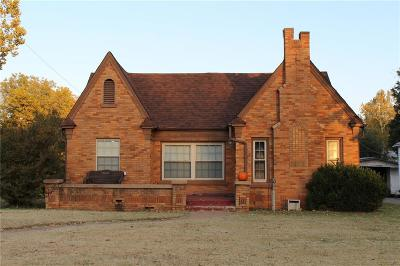 Chickasha OK Single Family Home For Sale: $89,000