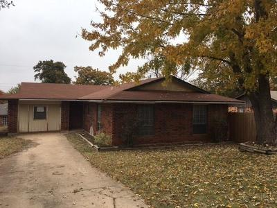 Edmond Single Family Home For Sale: 3013 E Noble Drive