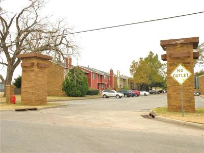 Oklahoma County Condo/Townhouse For Sale: 5411 Windtree Drive