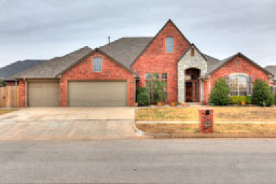 Oklahoma City Single Family Home For Sale: 3204 Hampshire Lane