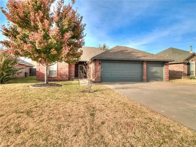 Mustang Single Family Home For Sale: 1221 W Churchill Way