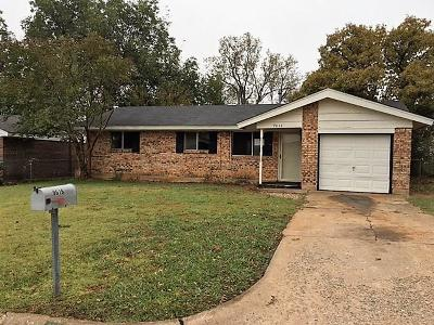 Midwest City Single Family Home For Sale: 9616 Lyric Lane