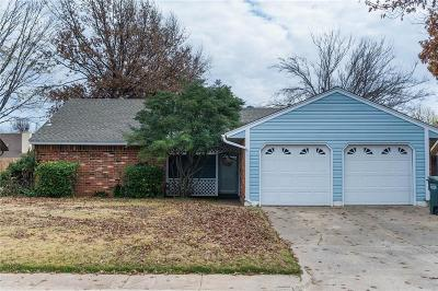 Edmond Single Family Home For Sale: 116 N Rockypoint