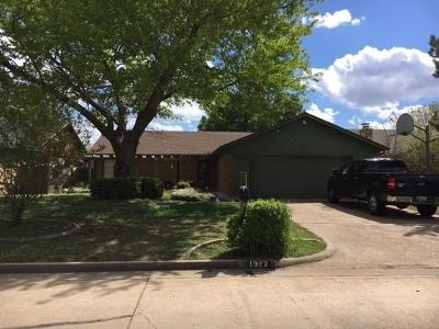 Midwest City Single Family Home For Sale: 1322 Alviola