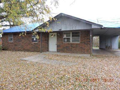 Shawnee Single Family Home For Sale: 1419 W Wheeler