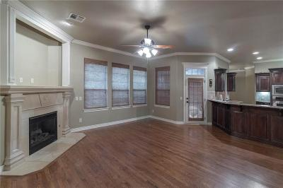 Norman Single Family Home For Sale: 104 Napoli