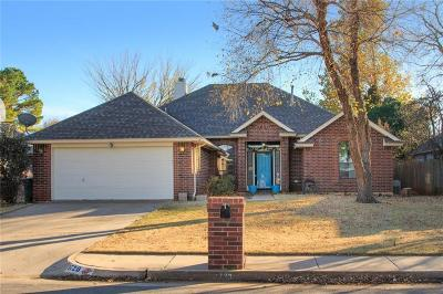 Edmond Single Family Home For Sale: 1720 Dena