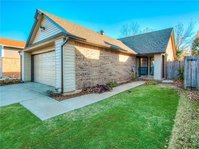 Oklahoma City Single Family Home For Sale: 7744 Doris