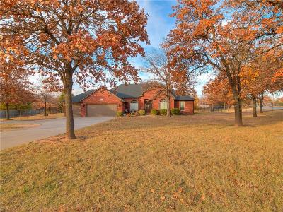 Choctaw Single Family Home For Sale: 909 Hickory Drive