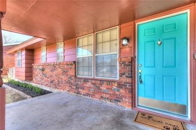 Moore Single Family Home For Sale: 956 W Main Street